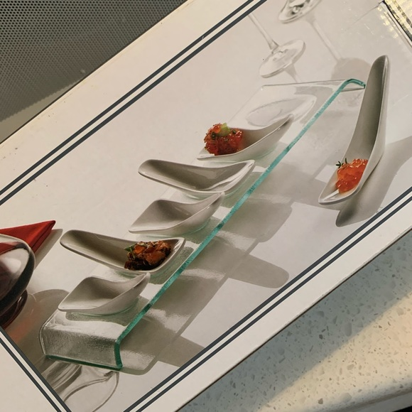 Set of 6 ceramic tasting spoons with glass tray